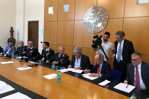 firma accordo gestione rifiuti