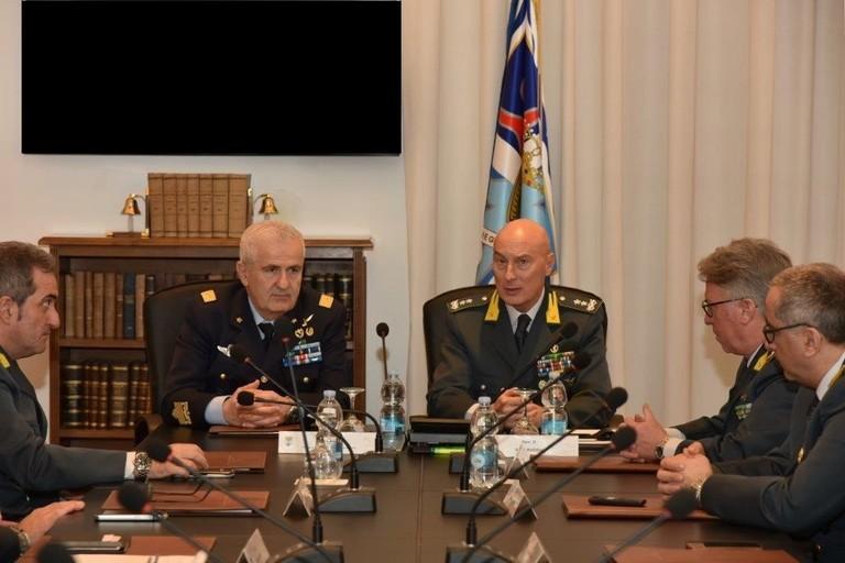Il generale dell'Aeronautica Umberto Baldi in visita al Comando Regionale Puglia della GdF