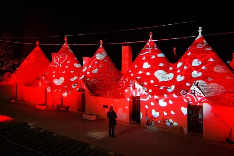I trulli illuminati per san valentino