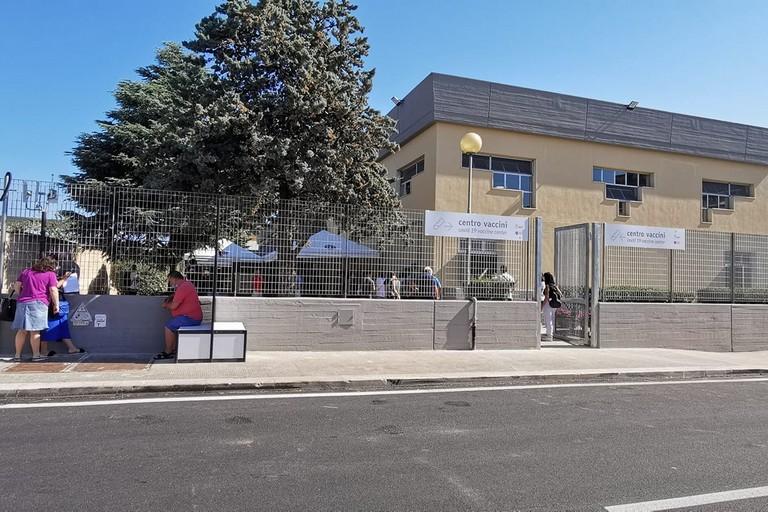 Il centro vaccini a Catino