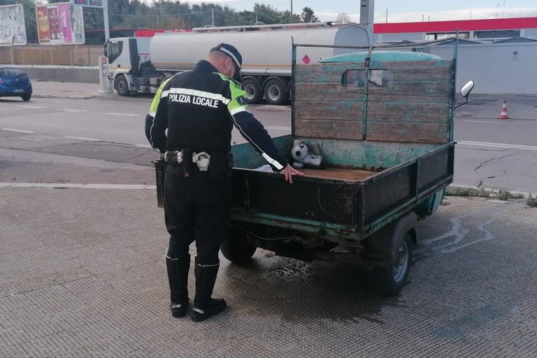 Il furgoncino sequestrato