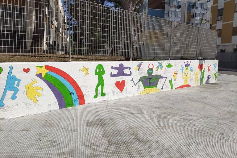 Il murales ispirato a Keith Haring