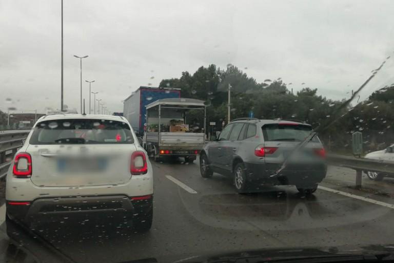 Il traffico sulla SS a causa dellincidente