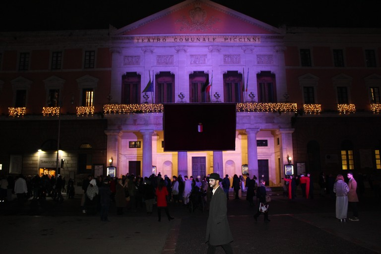 Il teatro Piccinni. <span>Foto Elga Montani</span>
