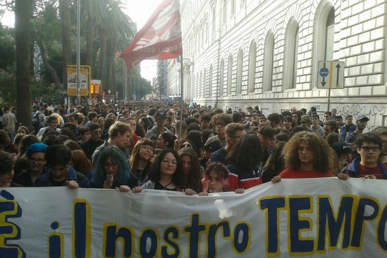 Alternanza scuola-lavoro, protestano gli studenti di Bari