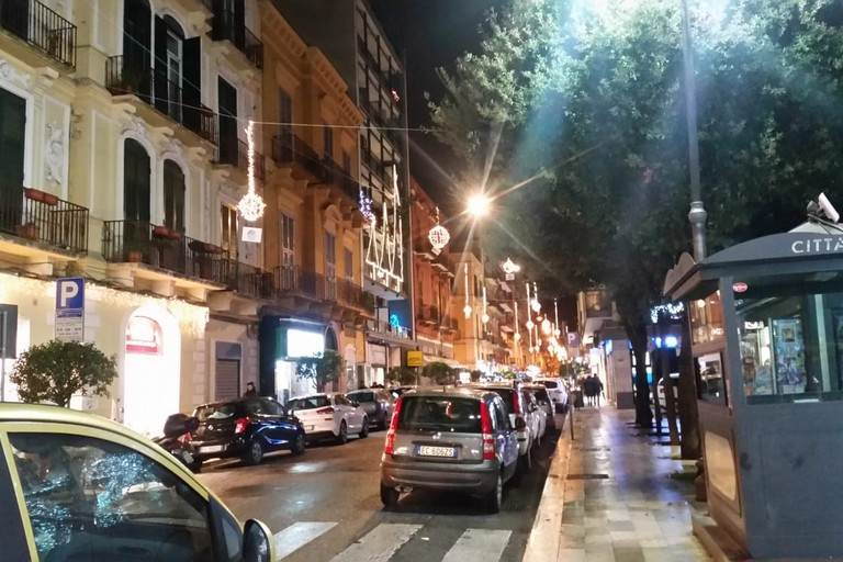 Via Manzoni illuminata