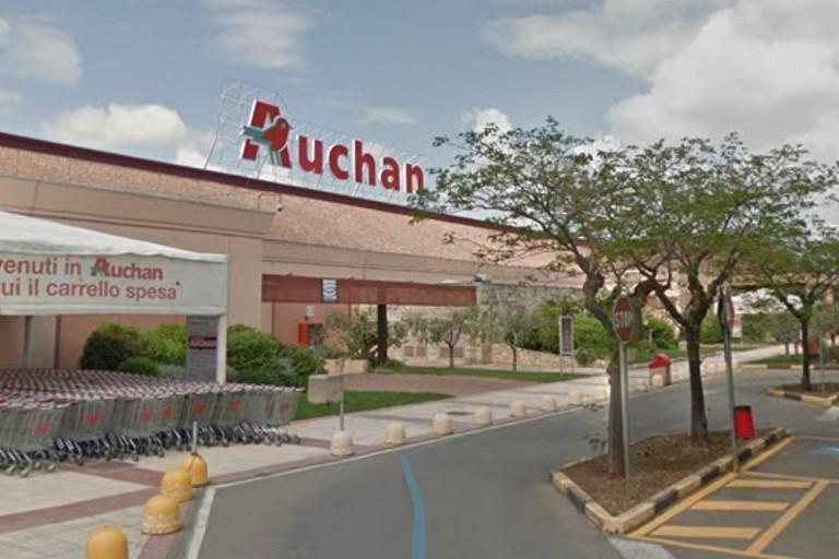 Auchan casamassima. <span>Foto google maps</span>