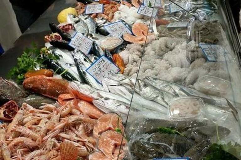 Pesce in pescheria