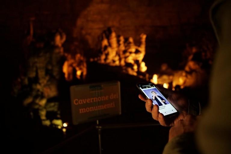 La guida LIS delle Grotte di Castellana