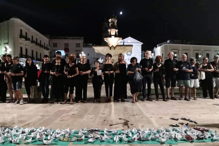La manifestazione a Mola. <span>Foto Pagina Facebook I Sentinelli di Bari</span>