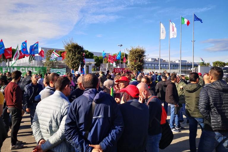 Lo sciopero alla Bosch di Bari