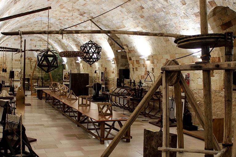 Poliba Calendario.Il Politecnico Di Bari Celebra Leonardo Da Vinci Le Sue