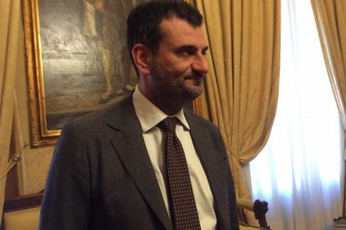 Antonio Decaro spiega la situazione di Sant'Anna