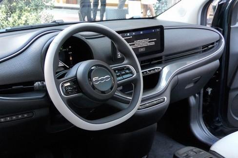 """Ecco Fiat 500,  """"La Prima """" elettrica della casa produttrice"""