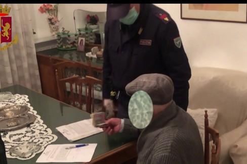 Il furto della pensione a un anziano barese