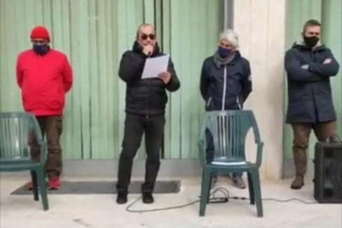 La protesta dei ristoratori contro l'ordinanza del sindaco Decaro
