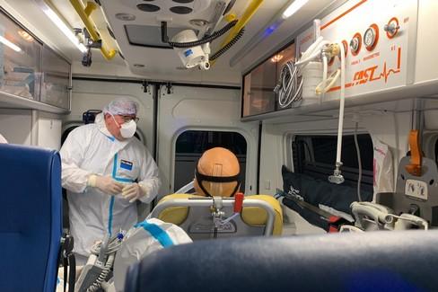 La prova di trasferimento dal Policlinico all'ospedale Covid in Fiera