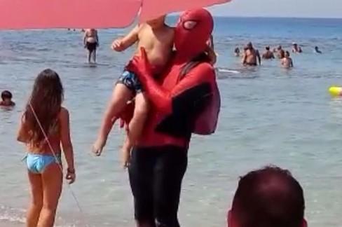 Spider-Man in spiaggia a Capitolo