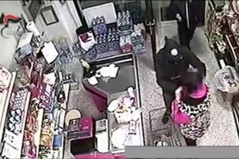 Rapina in un negozio di Triggiano