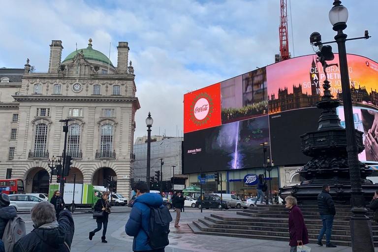 Piccadilly Circus la mattina dopo le elezioni in UK. <span>Foto Arziom Cristofaro</span>