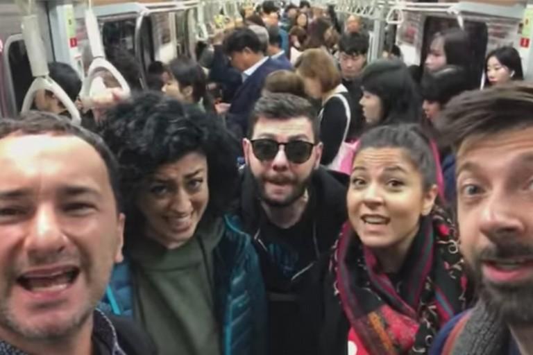 Mezzotono nella metro di Seul