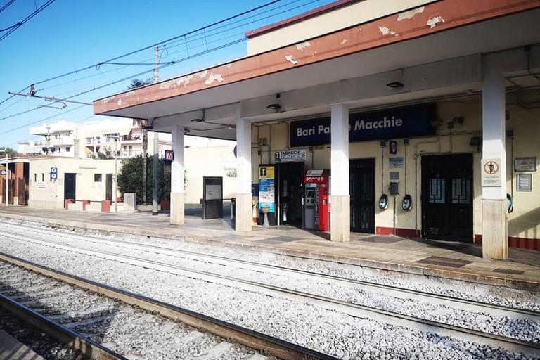 stazione bari palese macchie