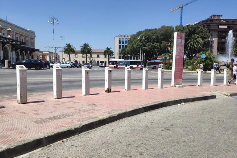 Una vecchia stazione del Bike Sharing in piazza Moro