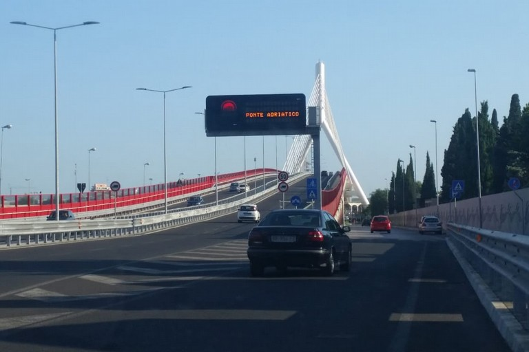 Il ponte Adriatico. <span>Foto Elga Montani</span>