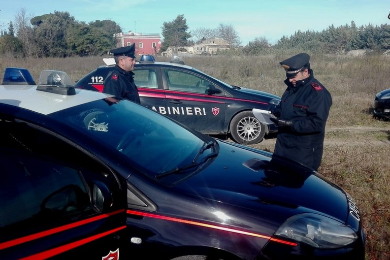 i carabinieri in azione a Cassano